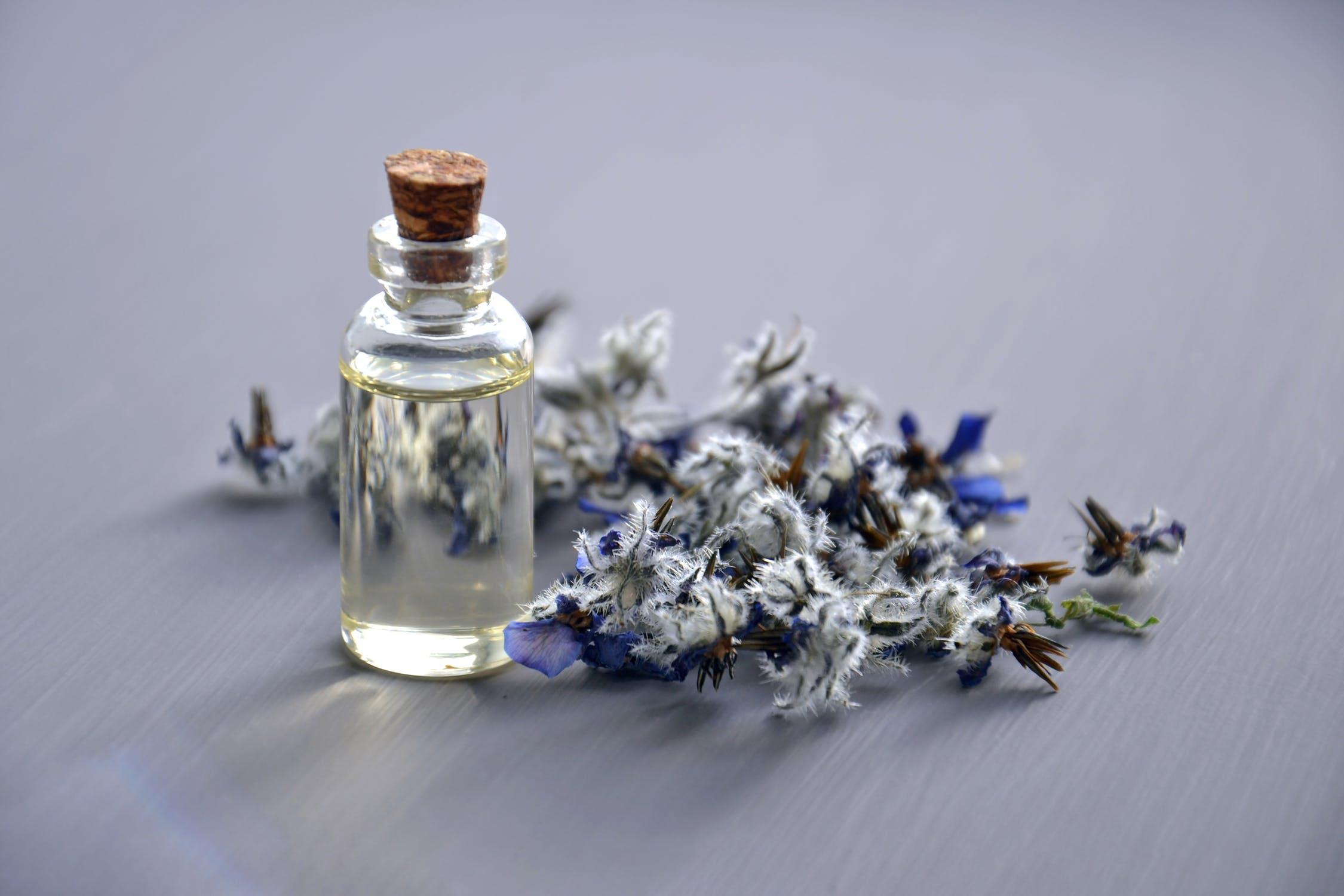lavcender essential oil